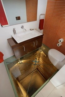 asansör boşluğuna tuvalet yaptılar