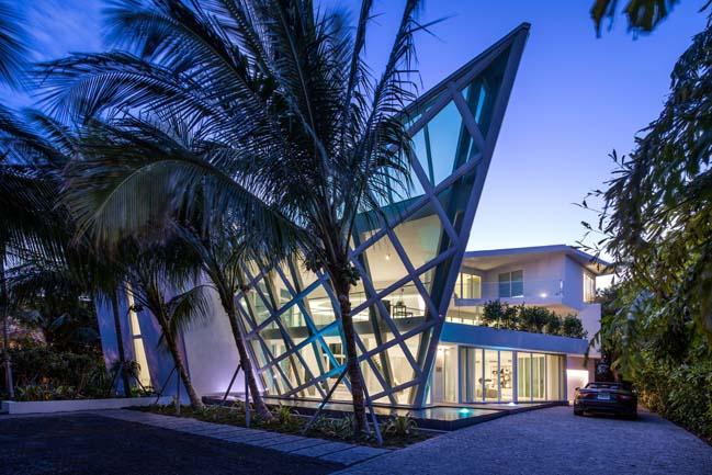 luxury-villa-in-golden-beach-05
