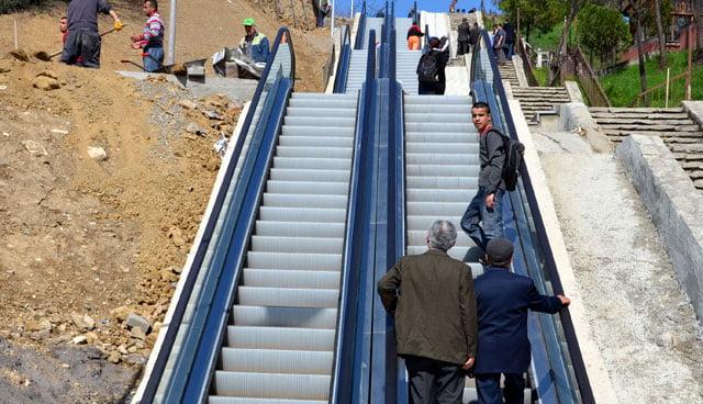 sokağa yürüyen merdiven yaptılar