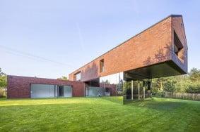 tasarimiyla-kendine-hayran-birakan-modern-bir-villa