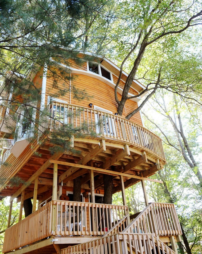 tree-house-three-stories-jay-hewitt-massachusetts-3