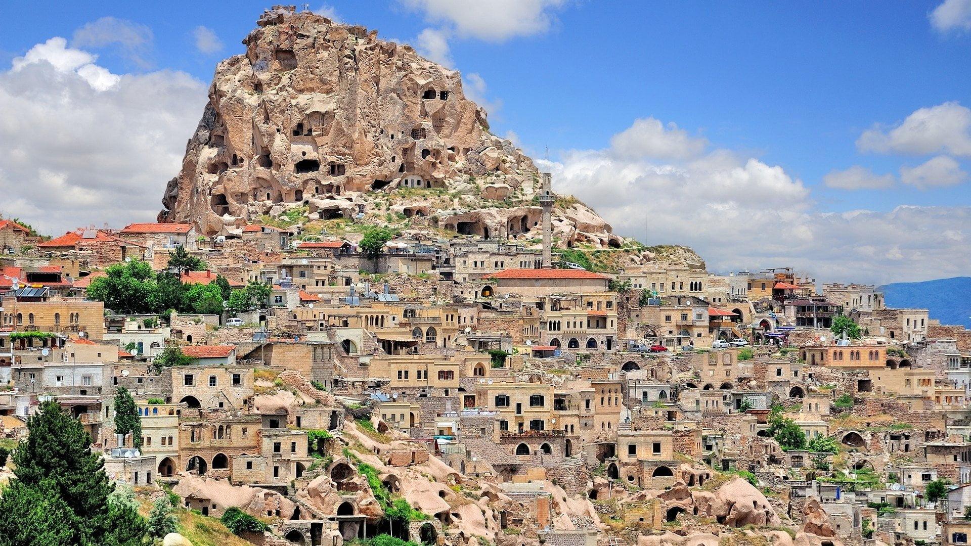 wallpaper-ancient-uchisar-cappadocia-turkey