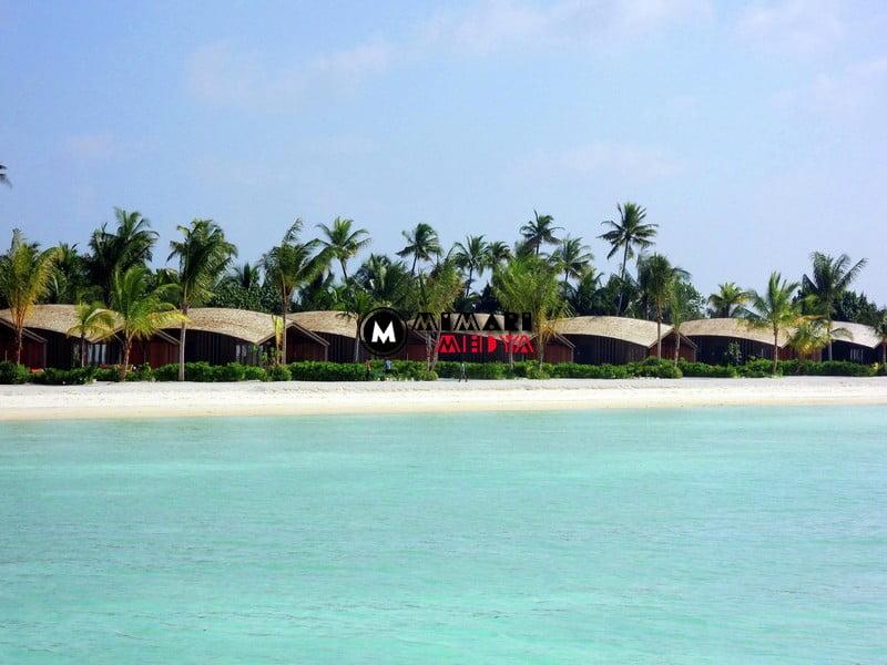 maldivlerde-gunes-panelli-5-yildizli-bir-otel-002