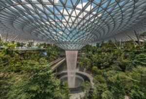 JEWEL Changi Havalimanı SHISEIDO Orman Vadisi [Fotoğraf / https://www.jewelchangiairport.com]